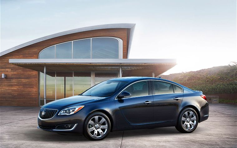 2014 Buick Regal front